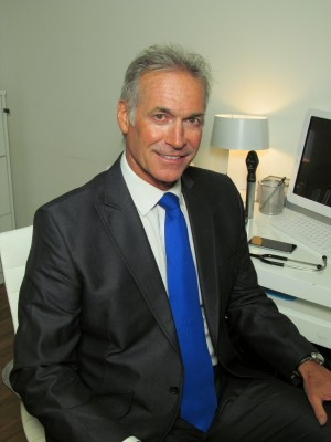 Dr Hilary Jones pic