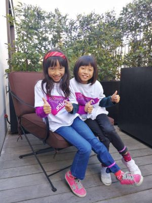 audrey and Kendra in pancreatic Cancer Action t-shirts