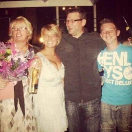 A picture of Rob, Alison and their children for Remembering Alison